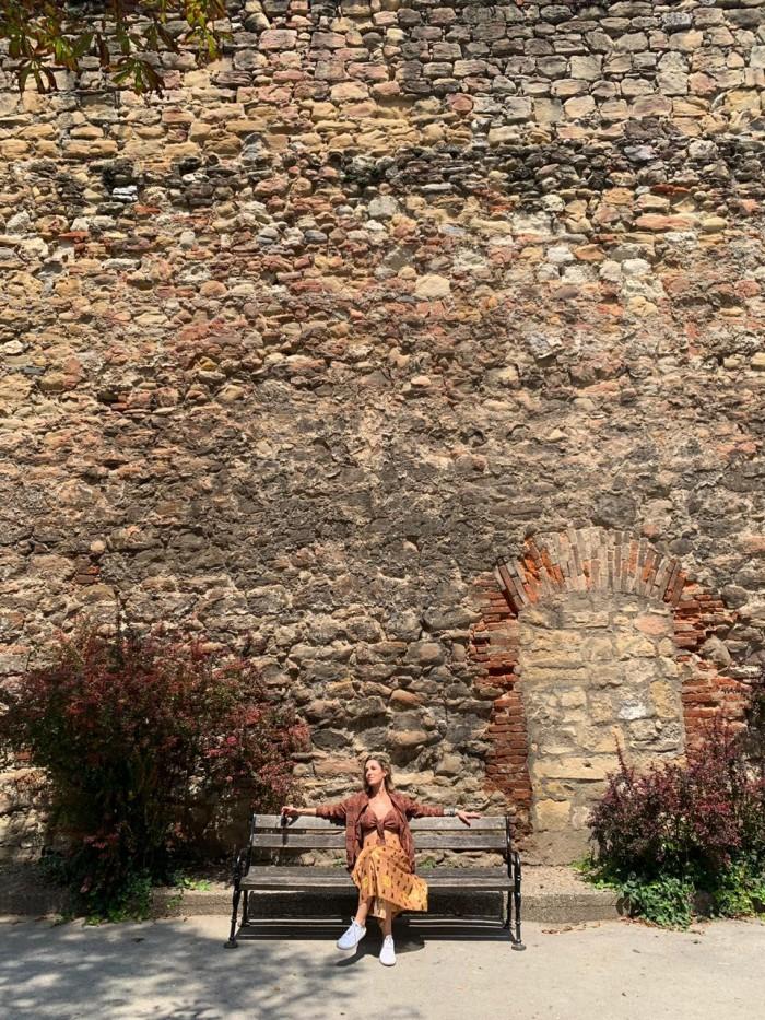 conjunto marrom dhuo seda muro de pedras 4